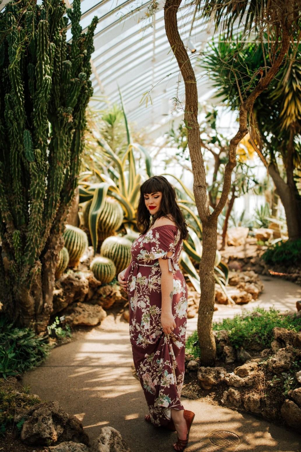 Kailey – Vibrant Botanical Maternity Shoot – Wild Native Photography