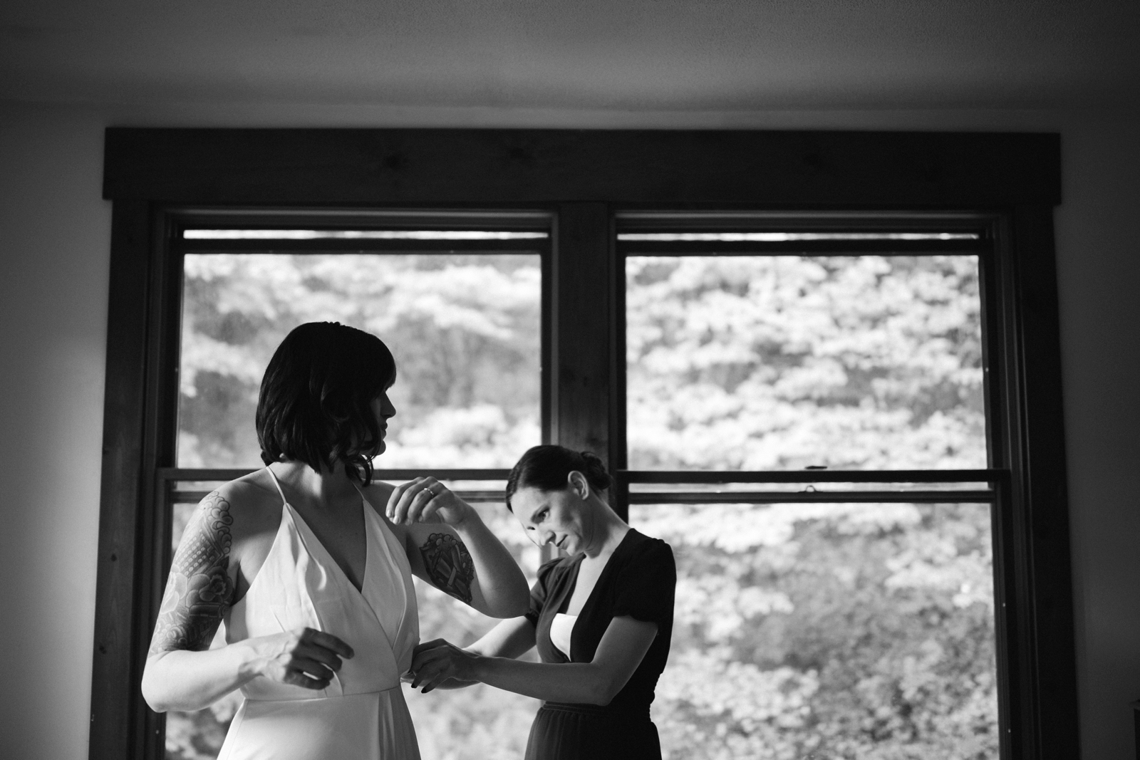 Pittsburgh wedding photographer leechburg barn